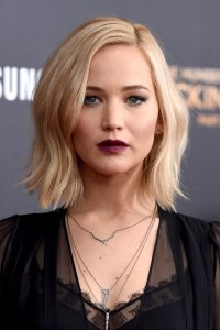 jennifer-lawrence-hair-vogue-19nov15-getty_b_426x639